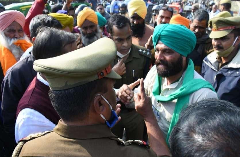 यूपी पुलिस ने किसान को धमकाया, रैली के दौरान पुलिस ने किसान नेता को छज्जा गिराने की दी धमकी