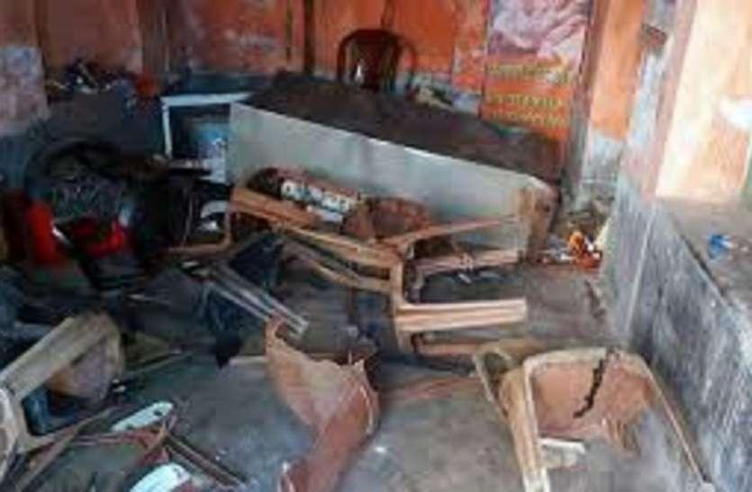 दक्षिण कोलकता में सिंडिकेट को लेकर चली गोली, इलाके में तोड़फोड़