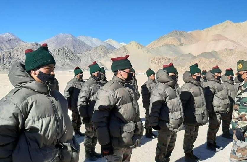 जनरल रावत पूर्वी लद्दाख के कई दुर्गम इलाकों में पहुंचे, सैनिकों का हौसला बढ़ाया