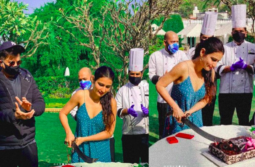 Fatima Sana Shaikh ने राजस्थानी ठाठ से मनाया बर्थडे, तलवार से काटा केट