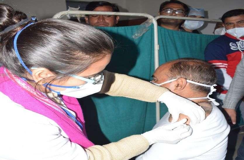 कोविड-19 वेक्सीन अभियान का श्रीगणेश, पीएमओ ने लगवाया पहला टीका