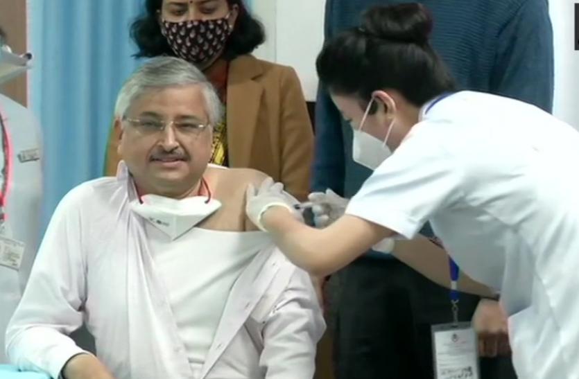 देश के 3006 केंद्रों पर टीकाकरण अभियान शुरू, एम्स दिल्ली में लगा पहला टीका