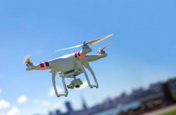 स्वास्थ्य और पर्यावरण संरक्षण में बढ़ी ड्रोन की उपयोगिता, दुरुपयोग का जोखिम भी