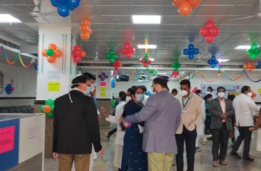 टीम वैक्सीन उदयपुर: महामारी के समर में