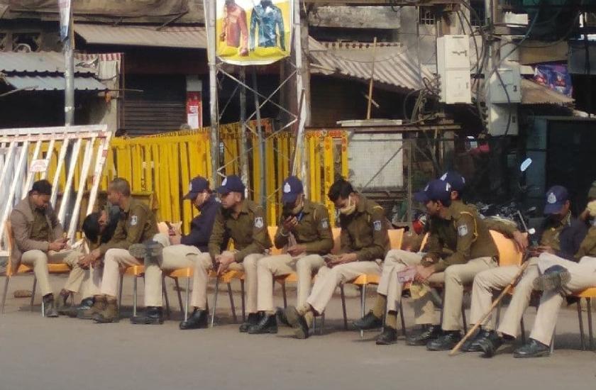 भोपाल के 11 थाना क्षेत्रों में धारा 144 लागू, तीन में कर्फ्यू, कबाड़खाना इलाके में जमीन विवाद का मामला