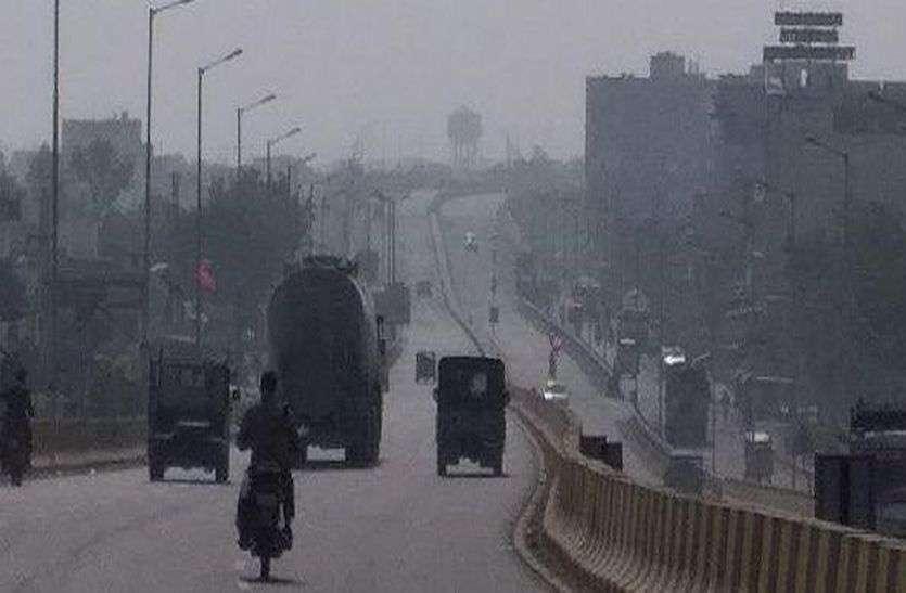 बाड़मेर में फिर आया कोहरा, सर्द हवा, दिन के पारे में 7 डिग्री की गिरावट