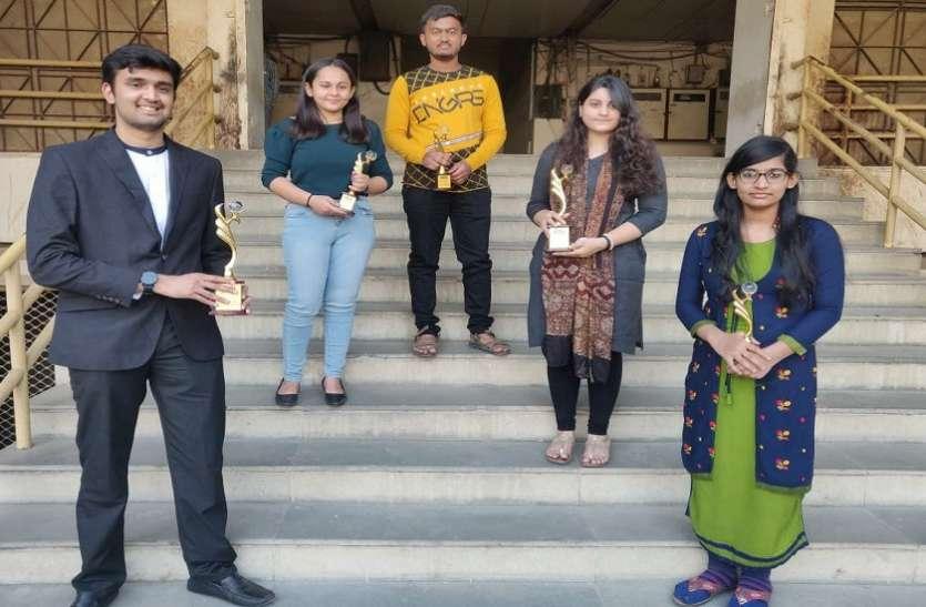 सीएस फाउंडेशन के टॉप-२५ रैंकर में अहमदाबाद के 7 विद्यार्थी