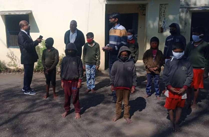 एडीजे ने किया निराश्रित बालगृह का निरीक्षण