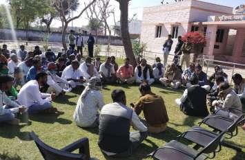 दरगाह में चोरी को लेकर पुलिस के खिलाफ ग्रामीणों में रोष