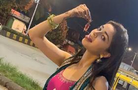 Ananya Pandey ने हाथ में पकड़ा कॉकरोच और खाने के लिए निकाली जीब, फैंस के उड़े होश
