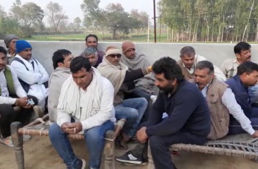 किसान आंदोलन: गणतंत्र दिवस के लिए ट्रैक्टर परेड की तैयारी में जुटे किसान, बोले- तिरंगे साथ पहुंचेंगे दिल्ली