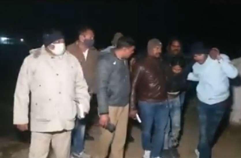 हत्या समेत 9 मामलाें के वांटेड बदमाश ने नाेएडा पर कर दी फायरिंग, मुठभेड़ के बाद गिरफ्तार