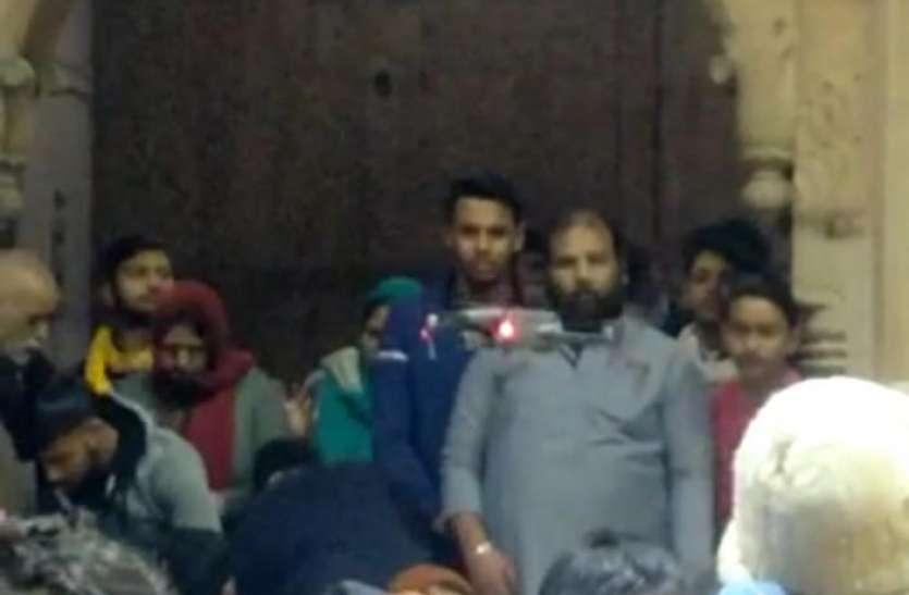 बांके बिहारी मंदिर में खुलेआम ड्रोन कैमरा उड़ने से हड़कंप, सुरक्षा में लगी सेंध