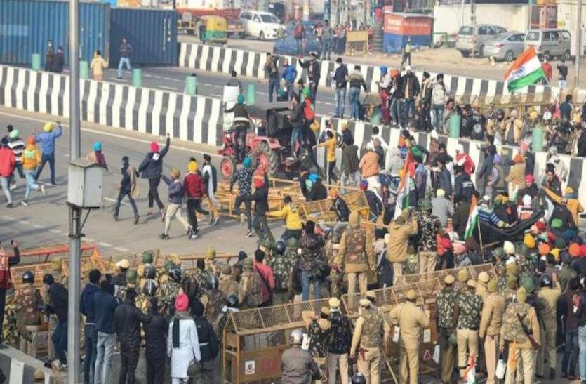 Tractor rally: ITO पर हुए हंगामे में एक शख्स की मौत, किसानों ने कहा-  'पुलिस फायरिंग में गई जान'
