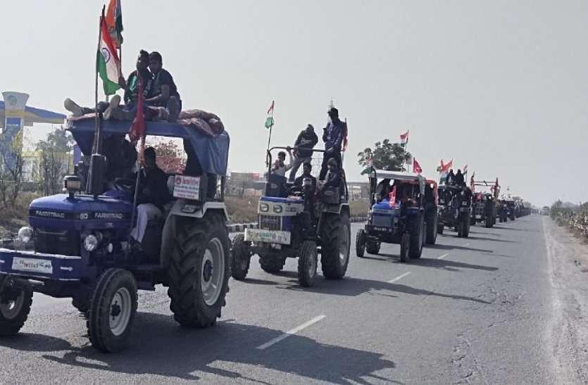 शाहजहांपुर बॉर्डर से किसान परेड रवाना, पांच हजार वाहनों में 15 हजाए से ज्यादा किसानों ने किया कूच