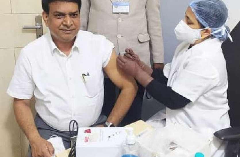 राजस्थान में टॉप पर उदयपुर, एक दिन में रिकॉर्ड 7904 स्वास्थ्यकर्मियों को लगाया टीका