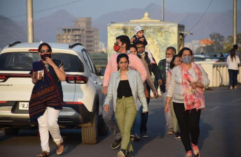 पर्यटन को 'वैक्सीन' : लेकसिटी में छुट्टियों का लुत्फ लेने पहुंचे पावणे