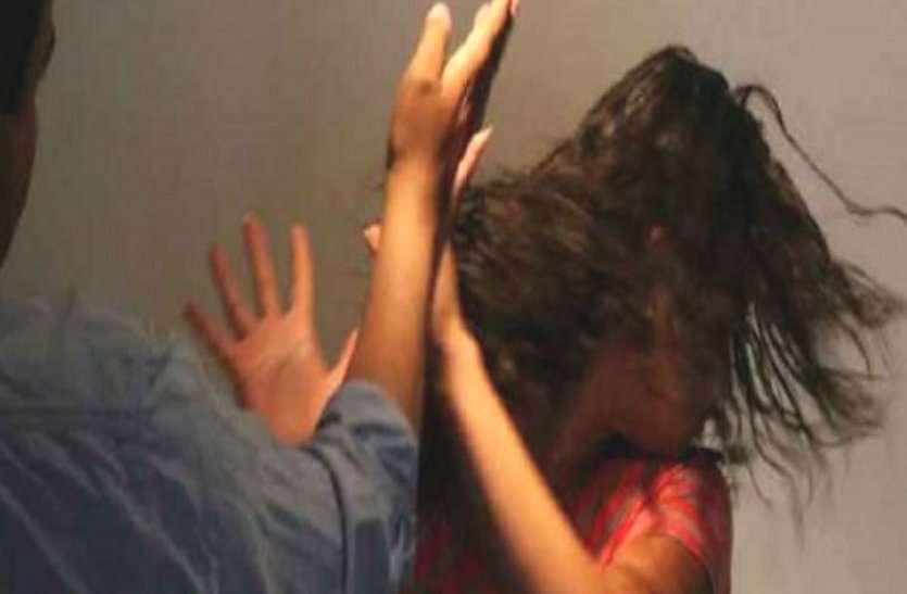 चाय मांगने पर थोड़ी देर रुकने कहा तो पति ने हथौड़ी से पत्नी का सिर फोड़ा, महिला की हालत गंभीर