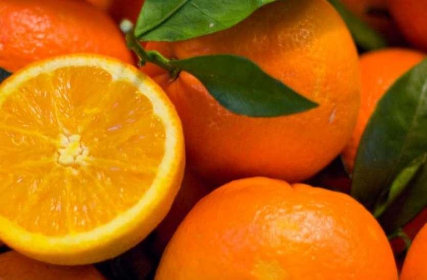 चीन: एयरपोर्ट पर लगेज चार्ज बचाने के लिए चट कर गए 30 किलो संतरे, हालत खराब
