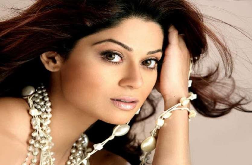 शाहरुख खान की फिल्म से डेब्यू करने वाली Shamita Shetty का करियर रहा फ्लॉप, आज भी है इस बात का अफसोस