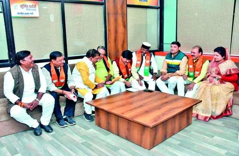 कांग्रेस शासन में काटे गए मतदाताओं के नाम जुड़वाएंगे भाजपा विधायक