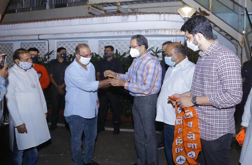 Maharashtra: भाजपा को झटका, कृष्णा हेगड़े ने थामा शिव सेना का दामन