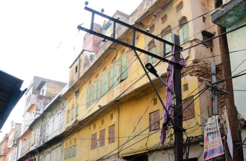 जयपुर के ये मकान, जहां दिन में भी जाने से लगता है डर, निगम ने चिपकाए नोटिस, इनसे दूरी रखें