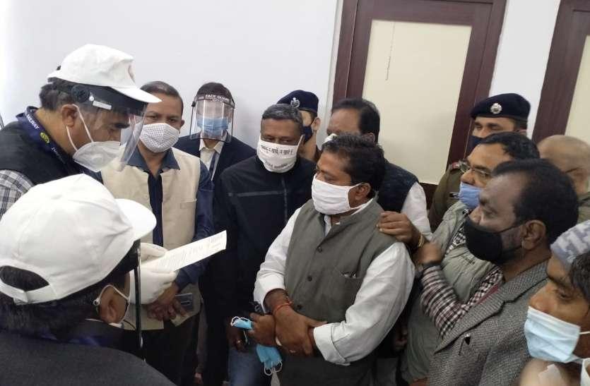 रेलवे जीएम से मिला कांग्रेस प्रतिनिधिमंडल, की ये 15 मांगें, स्वास्थ्य मंत्री टीएस की ये मांग भी है शामिल