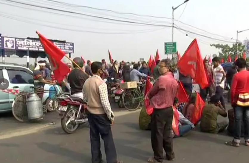 West Bengal : वाम दलों के बंद का दिखा असर, TMC की बढ़ी मुसीबत