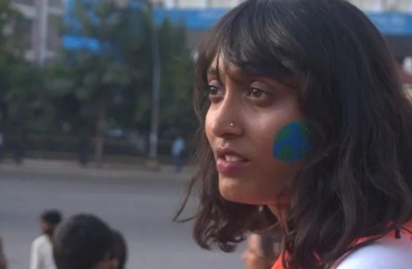 प्रियंका गांधी ने Twitt कर साधा निशाना, कहा - निहत्थी लड़की से डरती है केंद्र सरकार