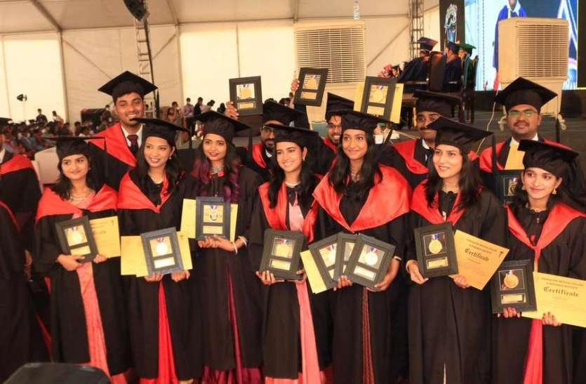 परिजनों की तरह करें मरीजों का उपचार : डॉ. सुधाकर