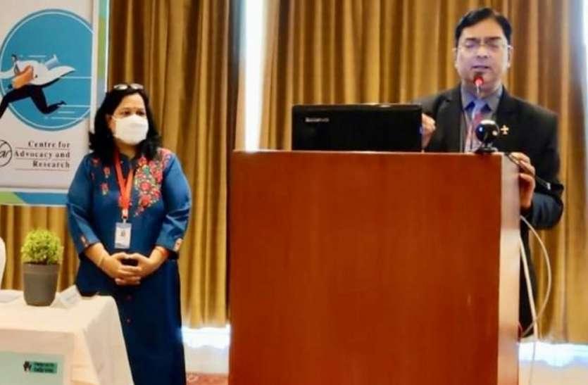 इस होली जमकर मनाइये जश्न, गले मिलने से करें तौबा : डॉ. सूर्यकांत