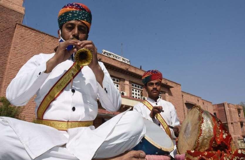 नौ राज्यों के कलाकार कल  से करेंगे परम्परागत लोक कलाओं का मनोहारी प्रदर्शन