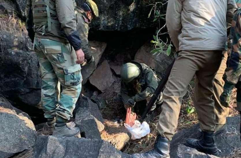 जम्मू-कश्मीर में सेना का बड़ी कामयाबी, बरामद की हथियारों की बड़ी खेप