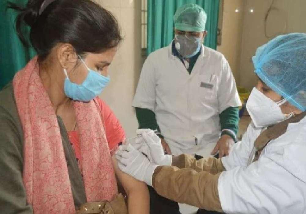 बाराबंकी में हुआ छठवें चरण का टीकाकरण, देखें वीडियो