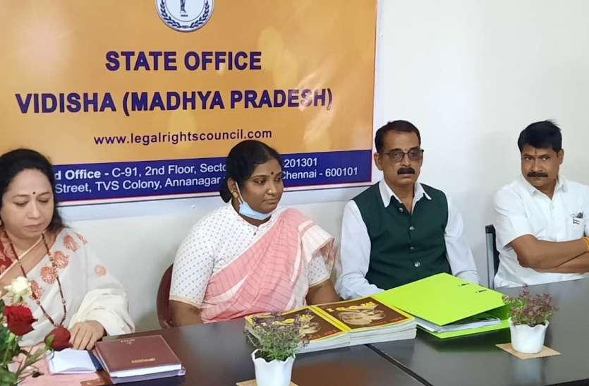 तमिलभाषी राजलक्ष्मी ने पहले खुद हिन्दी सीखी फिर चेन्नई में हिन्दी का स्कूल खोला