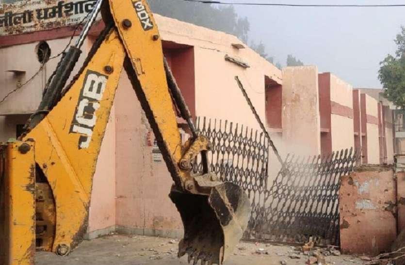 मेडिकल कॉलेज निर्माण को लेकर अस्पताल परिसर में हटाया अतिक्रमण