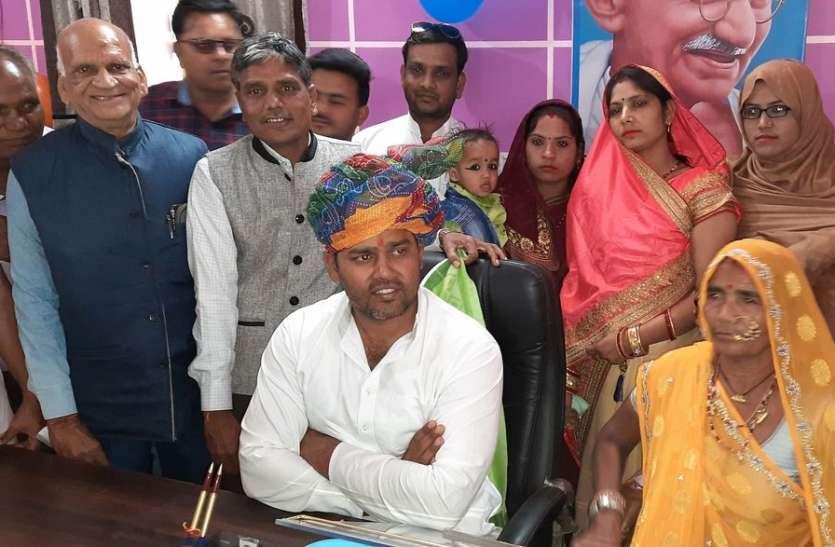 नैनवां नगरपालिकाध्यक्ष व उपाध्यक्ष ने ग्रहण किया पदभार