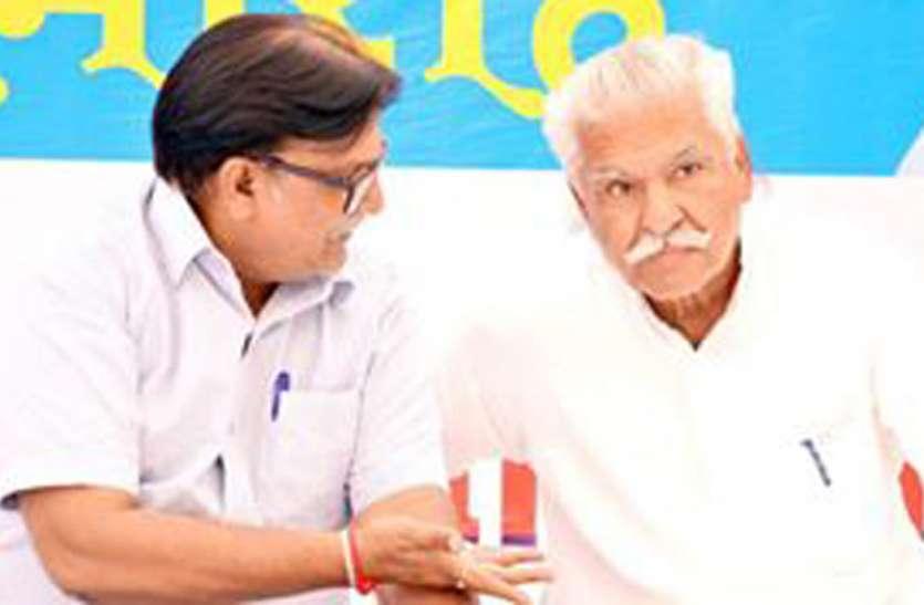 हमारी पार्टी वैसी नहीं, जहां एक नेता बैठकर सब कुछ तय कर ले : रणधीर सिंह