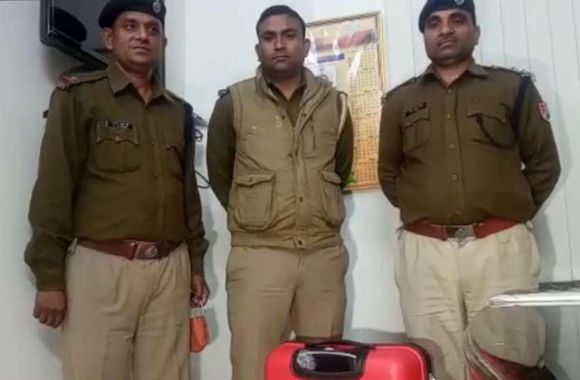 स्वतंत्रता संग्राम सेनानी एक्सप्रेस में मिले 1.40 करोड़ रुपए की सुरक्षा में रेलवे पुलिस पानी पानी