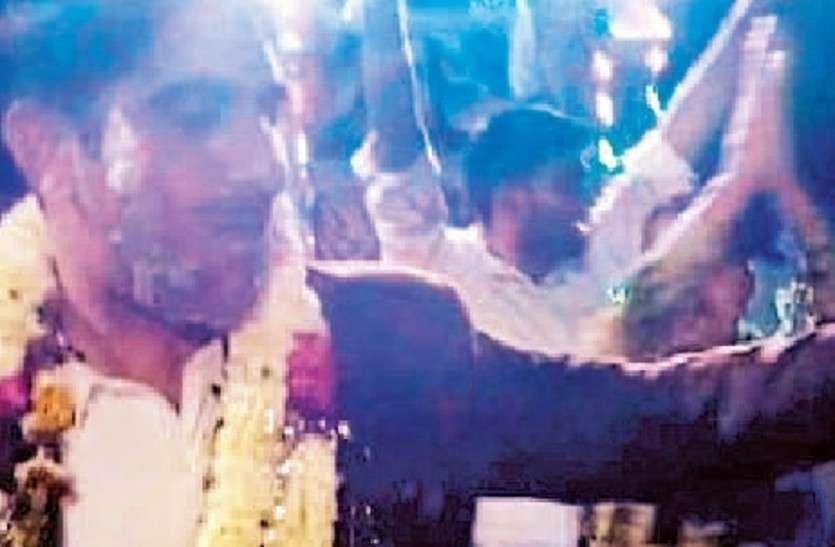 SP थाने पहुंचे, नदारद SHO पार्टी में व्यस्त, डांस का वीडियो वायरल, निलम्बित