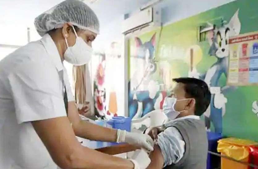 Corona के बढ़ते मामलों के बीच वैक्सीनेशन अभियान में जल्द दस्तक देगा प्राइवेट सेक्टर, तैयारी में मोदी सरकार