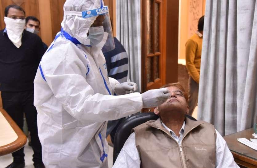 वैक्सीनेशन के कार्य में तेजी लायी जाए: मुख्यमंत्री