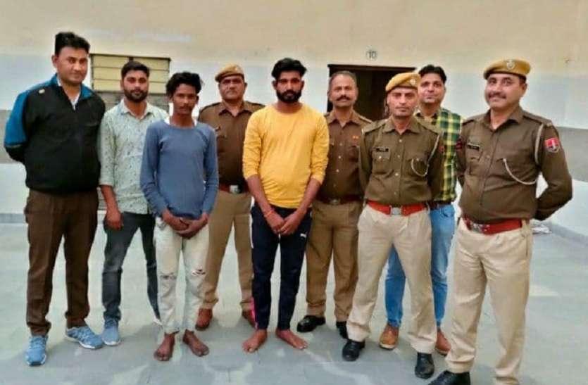 बाइक पर नशे की गोलियां ले जाते दो गिरफ्तार, 7300 गोलियां बरामद