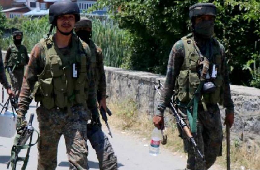 जम्मू-कश्मीर : अनंतनाग में सुरक्षाबलों को मिली बड़ी कामयाबी, मुठभेड़ में 4 आतंकवादी ढेर