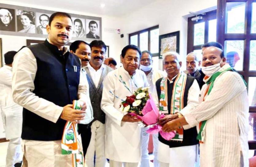 कांग्रेस में शामिल हुए नाथूराम गोडसे समर्थक नेता, कमलनाथ ने दिलाई सदस्यता