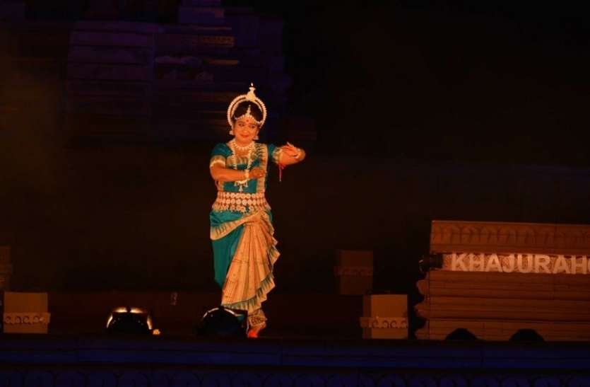 47वां खजुराहो नृत्य समारोह: देवी थीम पर कथक समूह नृत्य प्रस्तुति देख दर्शक झूम उठे