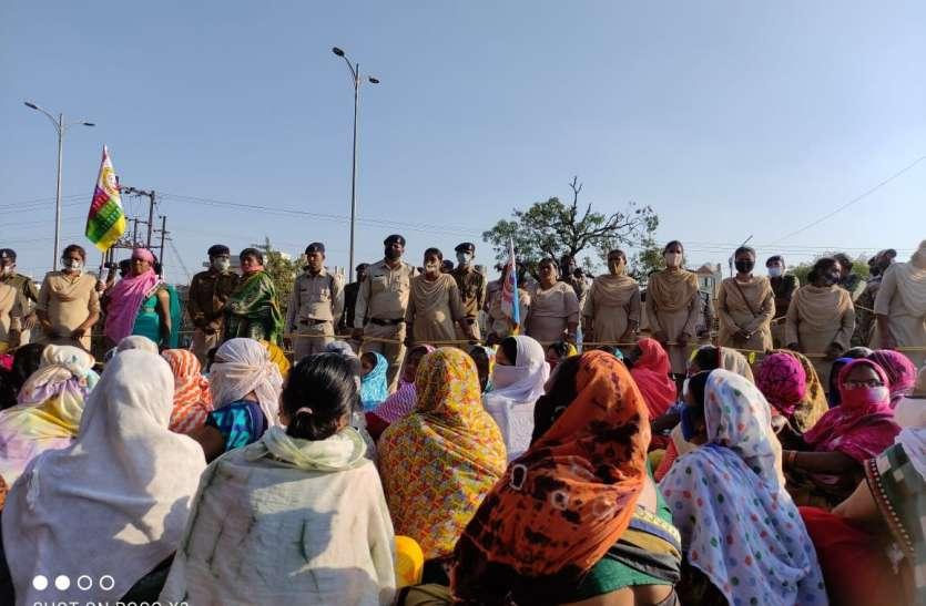 बीएसपी के एमडी बंगला के सामने प्रदर्शन, अनुकंपा नियुक्ति की मांग