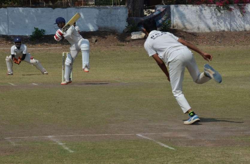 सेमी फाइनल में झाबुआ को 168 रन से हराकर आलीराजपुर फाइनल में