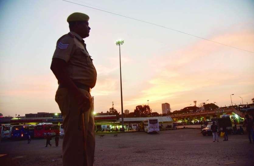 कोरोना के दौरान खाकी वर्दी ने जीता जनता का विश्वास